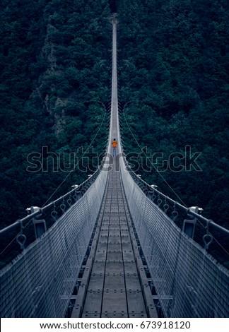 The Hängeseilbrücke Geierlay (Simple suspension bridge Geierlay) is a bridge in the low mountain range Hunsrück area of Germany. #673918120