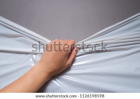 The hand pull Polythene pallet film, wrap
