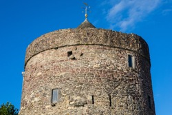 The historic Reginalds Tower in the city of Waterford, Republic of Ireland.  The tower is a remnant of the citys medieval defence and the oldest civic building in Ireland.