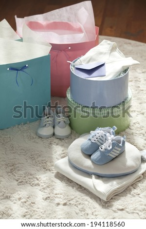 the image of giving birth and baby gift