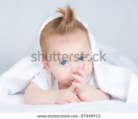 The image of the girl at the age of four months