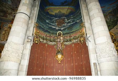 The interior of the Tibidabo church/temple, at the top of tibidabo hill, Barcelona, Spain Foto stock ©