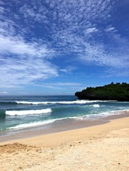 The Kukup Beach has beautiful blue water sea and the wave is not strong and none at there in the afternoon