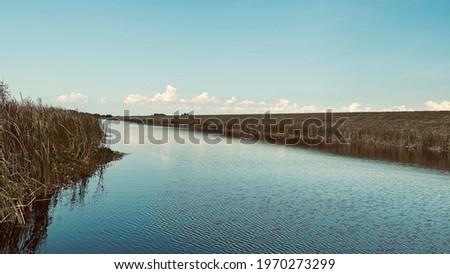 The Lake Okeechobee levee, Florida's biggest lake Stock fotó ©