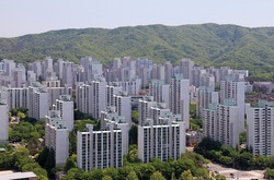 The Landscape of Apartment Complexes - Korea