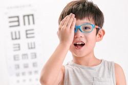 The little boy an eye test