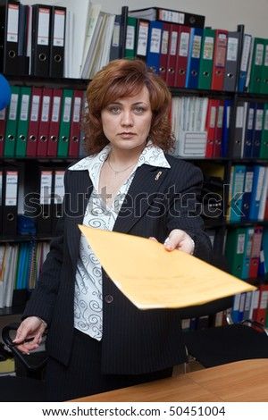 The manager transfers documents to the signature