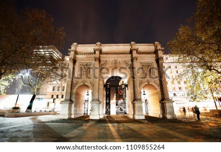 The Marble Arch, designed in 1825 by John Nash, completed in 1833, located in central London, near Oxford Street, to commemorate Britain's victories in the Napoleonic Wars. #1109855264