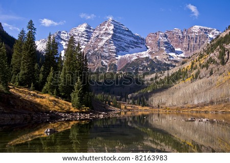 The Maroon Bells on an early autumn morning in Aspen, Colorado