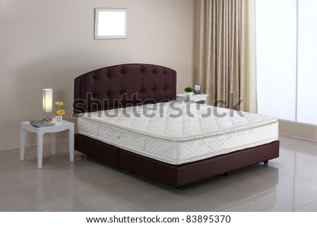 The mattress and bed set in the bedroom atmosphere