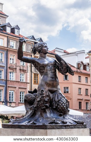 The mermaid (Syrena) - the symbol of the city of Warsaw, Poland. Syrena statue located in the center of the Market Square (Rynek Starego Miasta). Zdjęcia stock ©