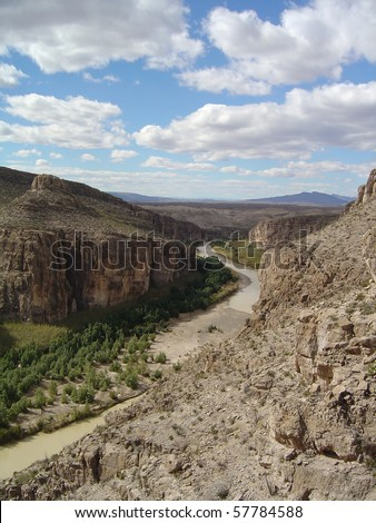 The mighty Rio Grande River during the dry season, Big Bend National Park, USA and Mexico border