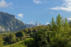 The Naranjo de Bulnes, known as Picu Urriellu, is a limestone peak dating from the paleozoic era, located in the Macizo Central region of the Picos de Europa, Asturias, Spain.