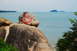 The Natural rocks on the cliff of the Kao Seng mountain in Songkhla. A famous tourist province of Songkhla in Thailand. The rock on the cliff is called in thai Hua Nai Rang.