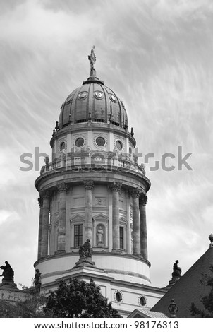 "The Neue Kirche (English: New Church), colloquially referred to as the ""Deutscher Dom"", is located in Berlin on the Gendarmenmarkt across from Franz�¶sischer Dom (French Church)."