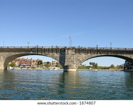 london bridge lake havasu. London Bridge in Lake