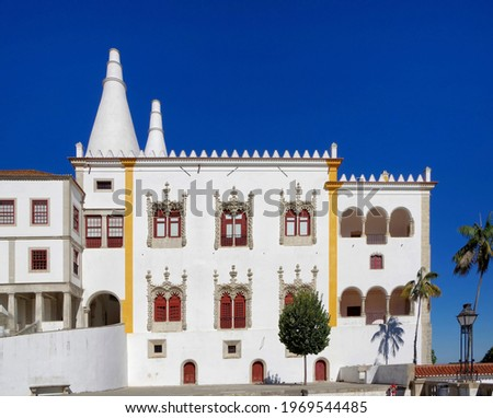 The Palácio Nacional de Sintra (english: Sintra National Palace) is a palace in the Portuguese city of Sintra. Foto stock ©