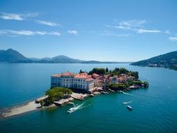 The palace of count Carlo lll Borromeo on the island Isola Bella!
