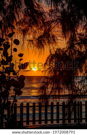 The peaceful calm of the Indian Ocean under the sun of Reunion Island Foto stock ©