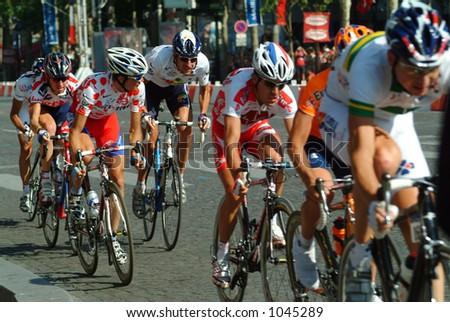 The Peloton on the Champs Elysees - Paris 2004 Tour de France