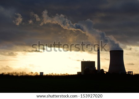 The picture shows a power plant.