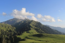 The picturesque Siri Paye is located near Kaghan Valley, near the equally beautiful hill station of Shogran. Siri Paye is a high mountain lake at an elevation of 3.058m (10,032ft) above the sea level,