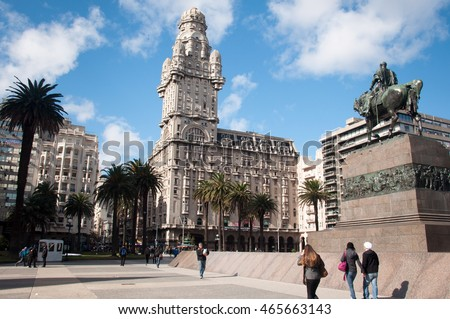 Shutterstock The Plaza independencia in Montevideo, Uruguay.