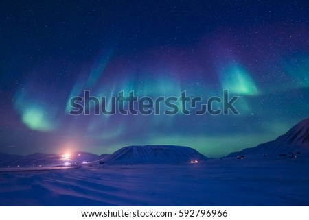 The polar Northern lights in the mountains of Svalbard, Longyearbyen, Spitsbergen, Norway  wallpaper #592796966