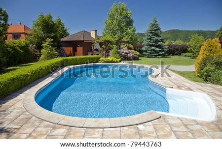 The pool with the garden