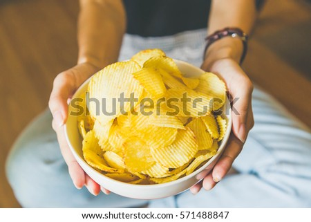 The potato chips bowl