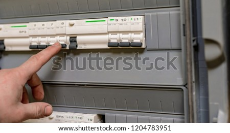 The process of switching off the electrical voltage with the help of safety switches