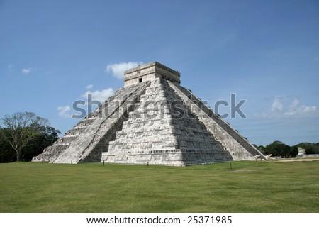 The Pyramid of Kukulkan-El Castillo-in Chichen Itza.Mexico