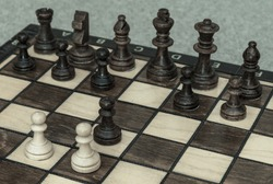 The queen's gambit chess move explained on a chess board