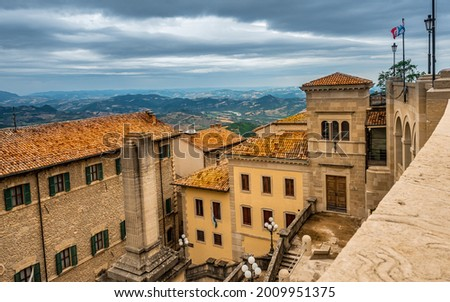 The Republic of San Marino (Italian Republic of San Marino). San Marino until 1463 consisted only of Monte Titano and it is from the top of this mountain that we can see the view as in this photo. Foto stock ©