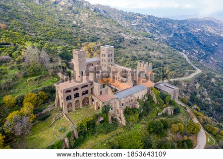 The Romanesque abbey of Sant Pere de Rodes in Cap de Creus Natural park. It is a former Benedictine monastery in the comarca of Alt Emporda, in the North East of Catalonia, Spain.  Stock fotó ©