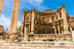 The ruins of Jerash in Jordan are the best preserved city of the early Greco-Roman era, it is the largest acropolis of East Asia. The Colonnaded Street