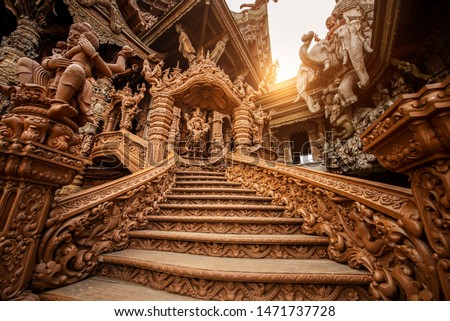The Sanctuary of Truth Museum is a gigantic all wood construction located at the relaxing Rachvate cape of Naklua Pattaya City.
