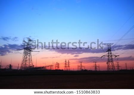 The silhouette of pylon, the pylon in the evening #1510863833