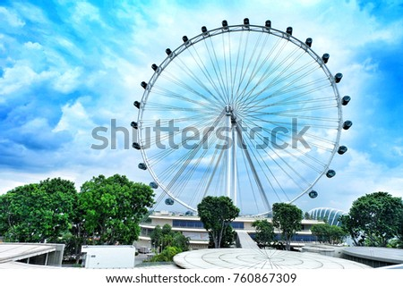 The Singapore Flyer is a giant Ferris wheel in Singapore #760867309