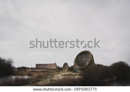 The sound mirrors at Denge, Dungeness WW2 structure ストックフォト ©