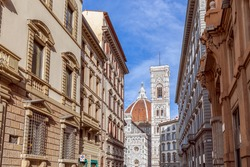 The street leading to Florence Cathedral (Cattedrale di Santa Maria del Fiore) Florence, Italy