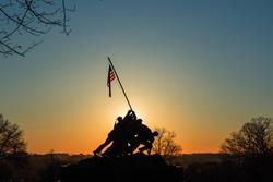 The sun is rising in Washington DC / The daybreak of Washington DC / The rising sun beyond the US Capitol.