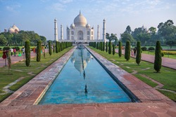 the symbol of love taj mahal