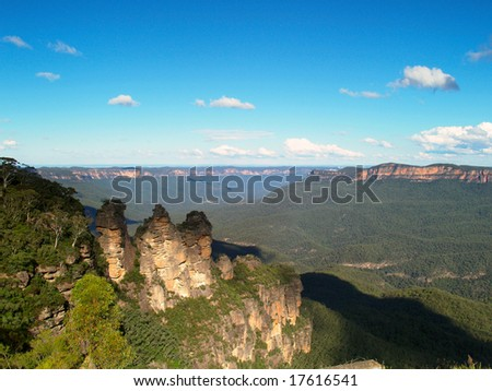 "The ""Three Sisters"" in the Blue Mountains, Katoomba, Australia"