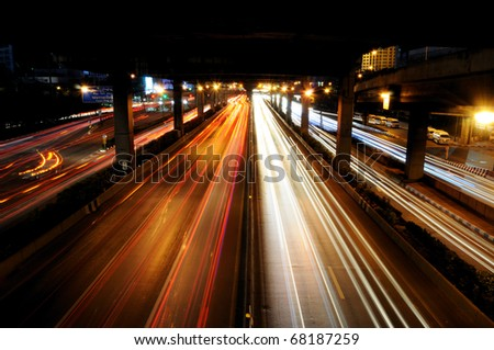 The traffic in night