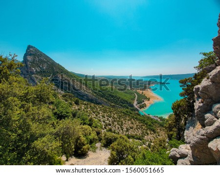 The turquoise water of Lad de Sainte-Croix in France seen from above with peak