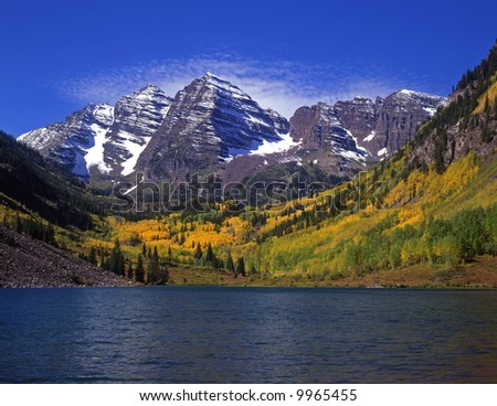 The twin peaks of the Maroon Bells and Maroon Lake in the White River National Forest of Colorado.