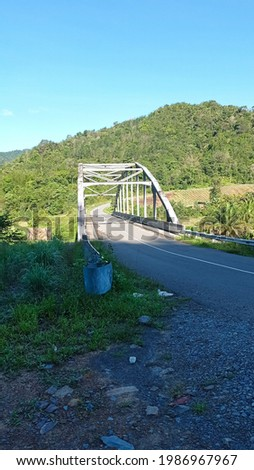 The view of a bridge on the road to Pekan Nabalu village in Sabah. Zdjęcia stock ©