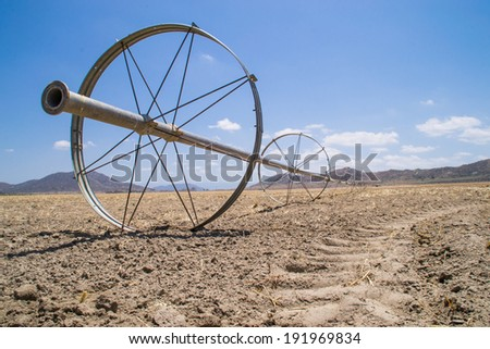 the water irrigation pipes in the dry southern california
