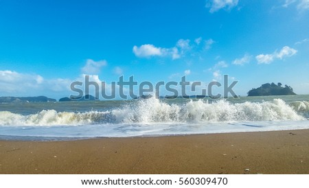 The waves coming in  #560309470